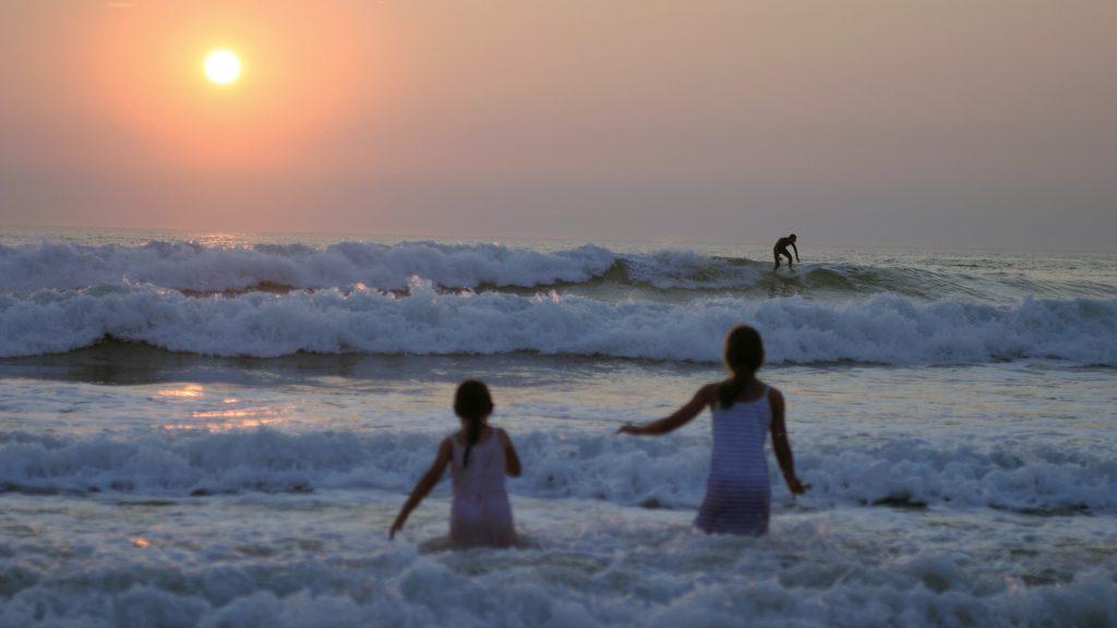 Girls Sunset Lacanau