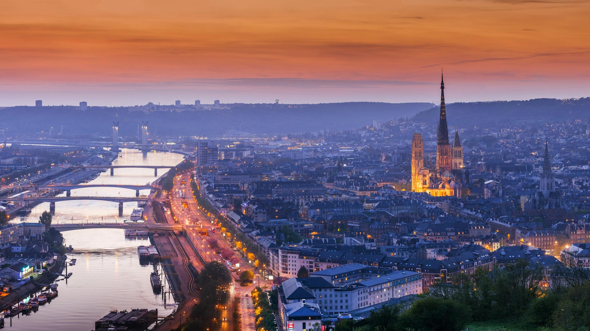 5 themes of Geography Paris, France