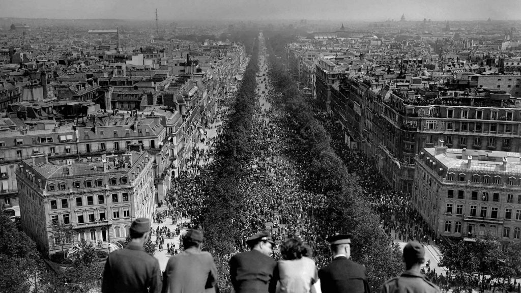 Champs VE Day