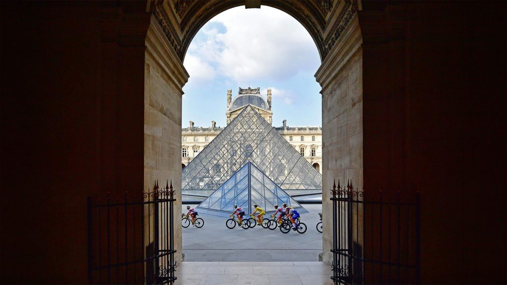 Louvre Riders